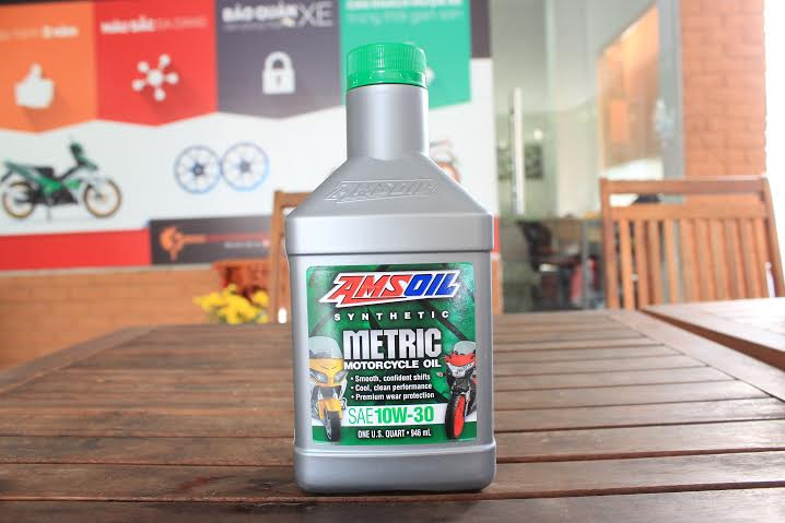 Amsoil 10w30 synthetic metric - 1