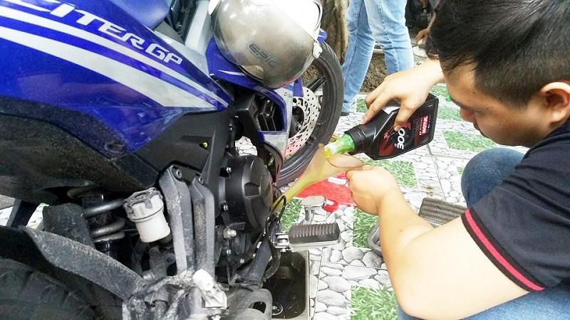 Nhớt xe máy bao lâu nên thay một lần - 5