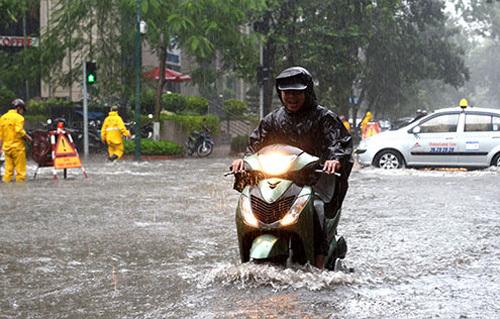 Tổng hợp nhớt tốt nhất cho xe số trong mùa mưa bão - 1
