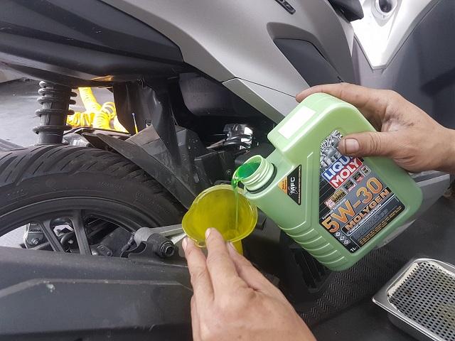 Honda vario thay nhớt liqui moly molygen 5w30 có tốt không - 2