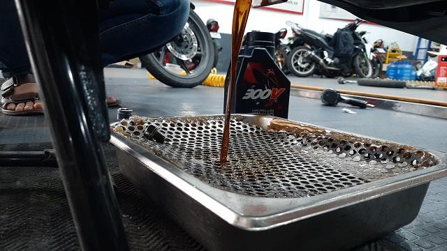 Tư vấn chọn nhớt xe máy tốt nhất cho honda winner x 2020 - 1