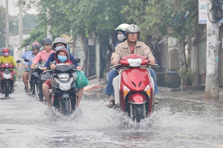 Xe tay ga ngập nước thì phải làm gì - 2