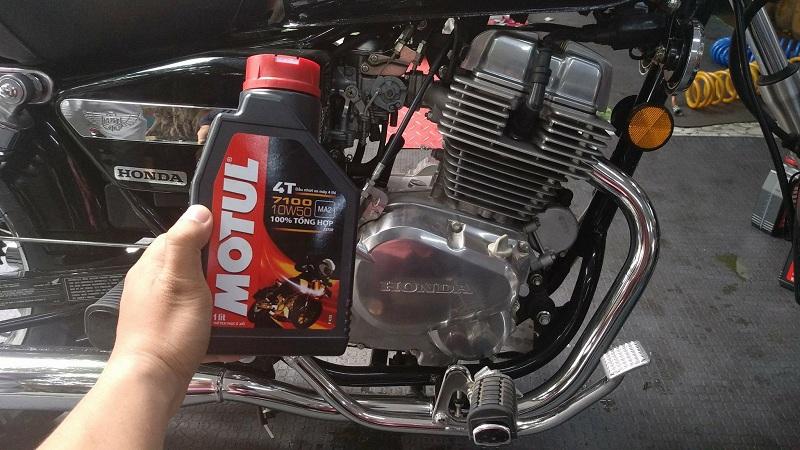 Cách chọn nhớt xe máy giúp tiết kiệm nhiên liệu