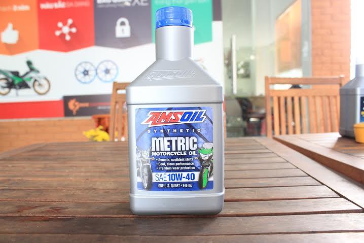 Nhớt Amsoil 10W40 Synthetic Metric sử dụng cho xe Exciter có tốt không?